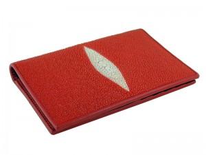 Красная обложка на паспорт из кожи ската