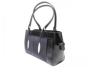 Классическая женская сумка из ската