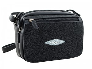 Наплечная сумочка из кожи ската