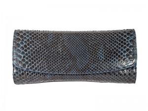 Женский клатч на цепочке из кожи питона
