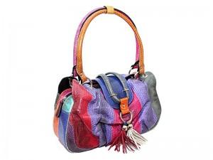 Яркая женская сумка из змеиной кожи