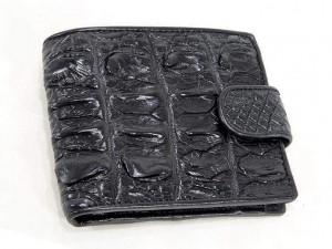 Кошелек на хлястике из кожи крокодила