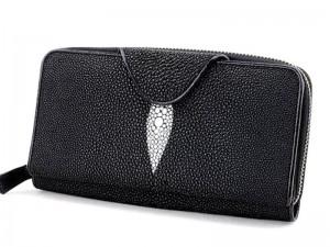 Клатч-портмоне на молнии из кожи ската