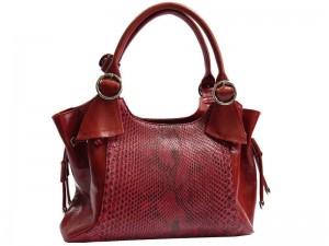 Красная женская сумка из питона