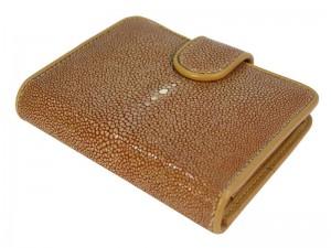 Женский кошелек из полированного ската