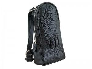 Заплечная сумка из кожи крокодила с лапой